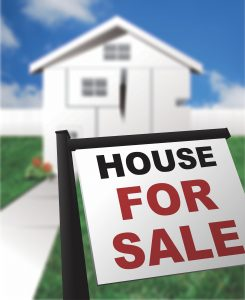 house for sale sign - How a mortgage broker will help you sell your home sooner